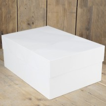 Caja rectangular 40,6 x 30,4 cm.